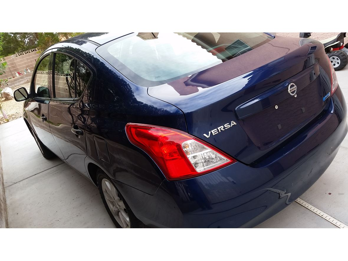 2012 Nissan Versa for sale by owner in Las Vegas