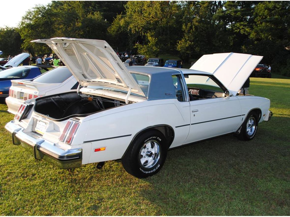 1980 oldsmobile cutlass supreme classic car fairless hills pa 19030. Black Bedroom Furniture Sets. Home Design Ideas