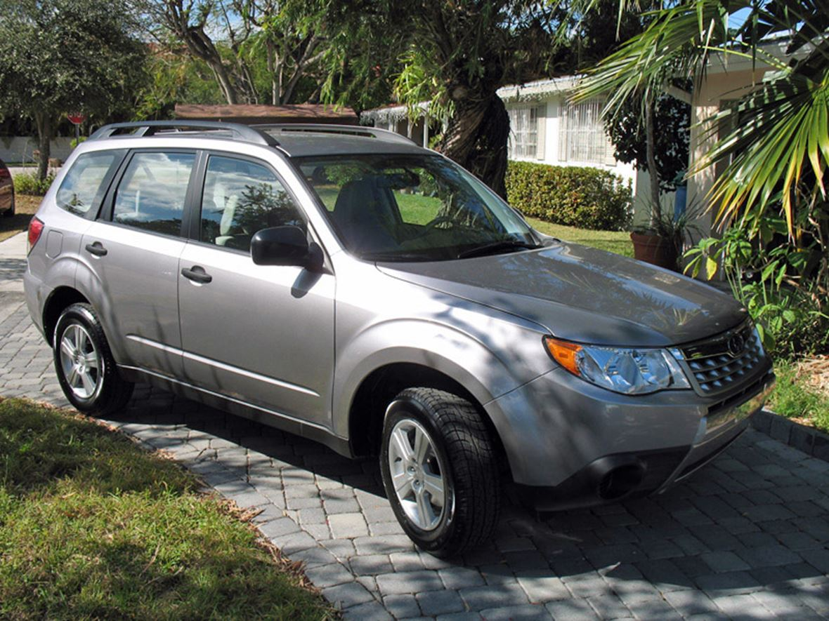 2011 subaru forester for sale by owner in miami fl 33143. Black Bedroom Furniture Sets. Home Design Ideas