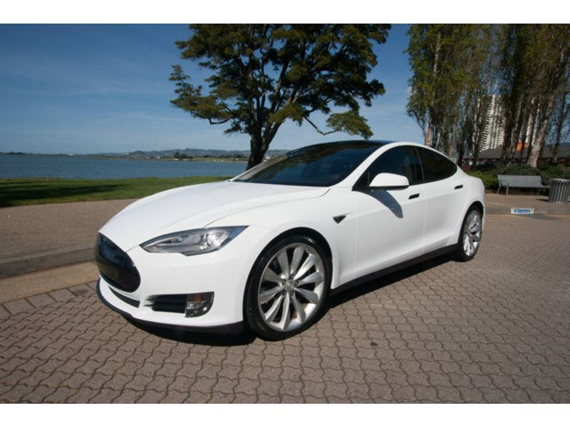 2015 Tesla S for sale by owner in Concord