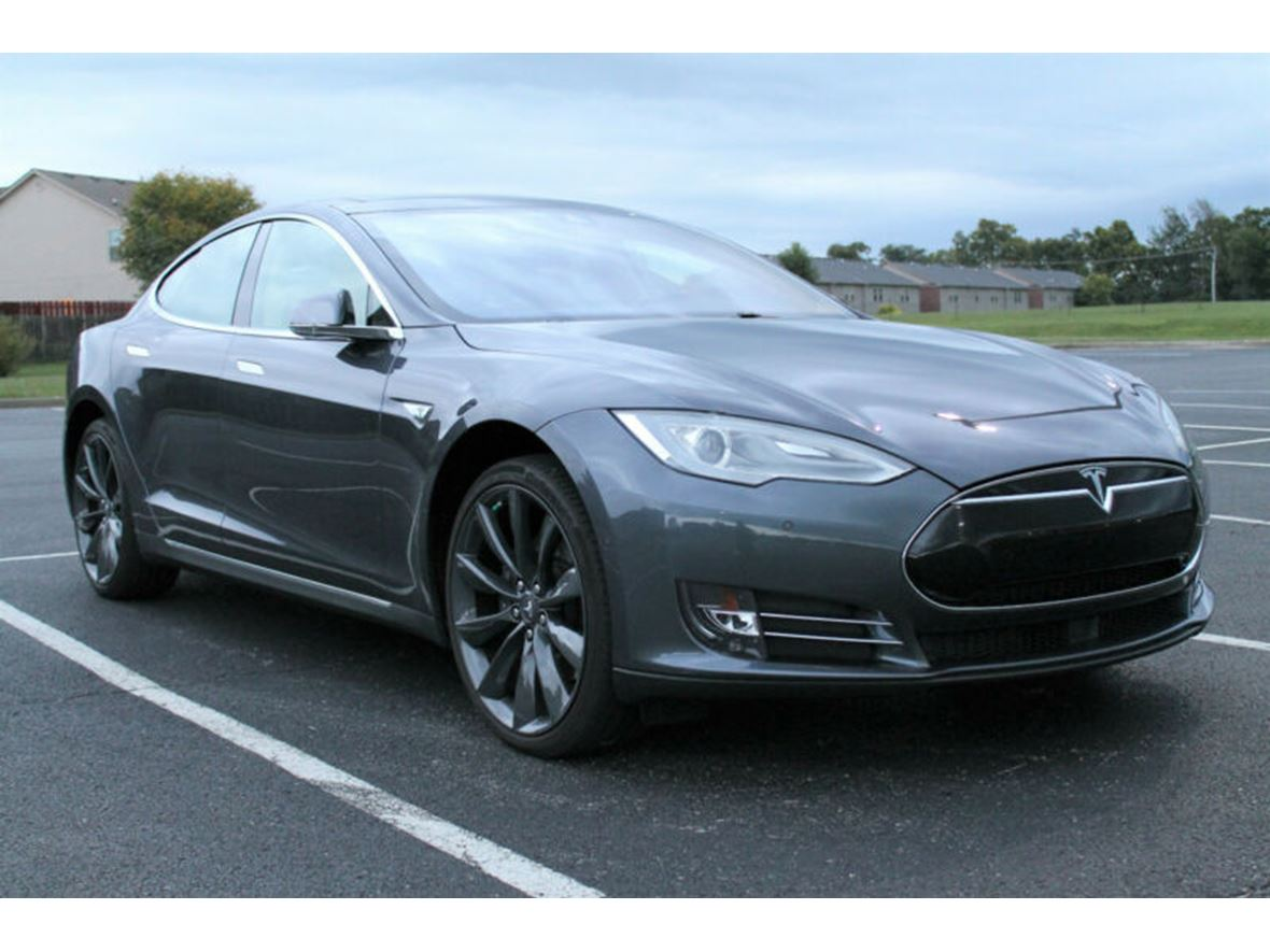 2015 Tesla S 85 for sale by owner in Vancleve