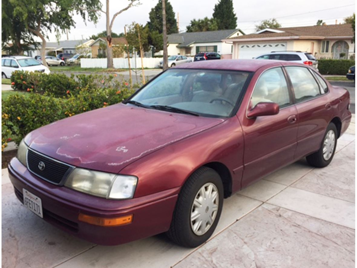 1996 Toyota Avalon for sale by owner in Gardena