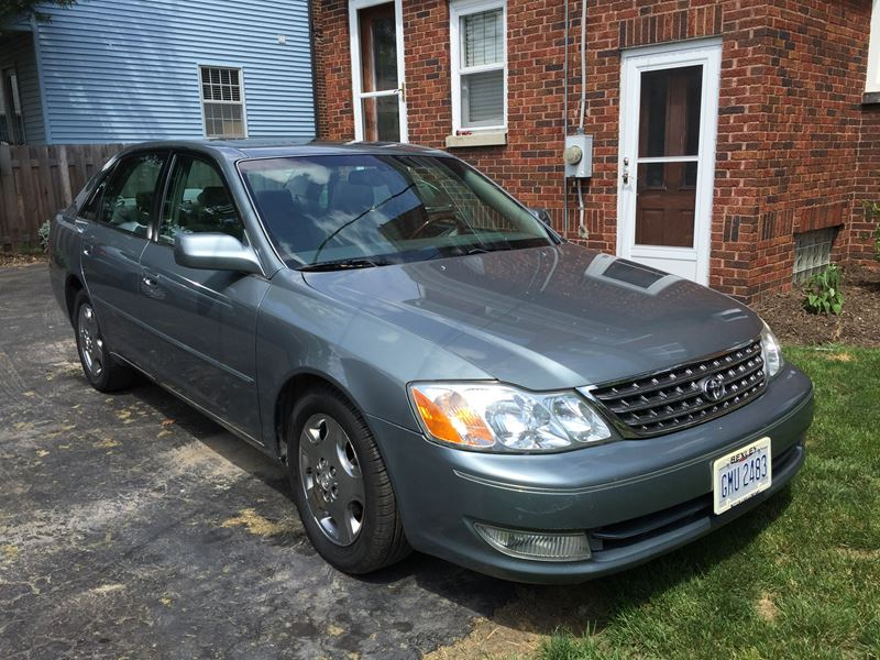 2003 toyota avalon private car sale in columbus oh 43209. Black Bedroom Furniture Sets. Home Design Ideas