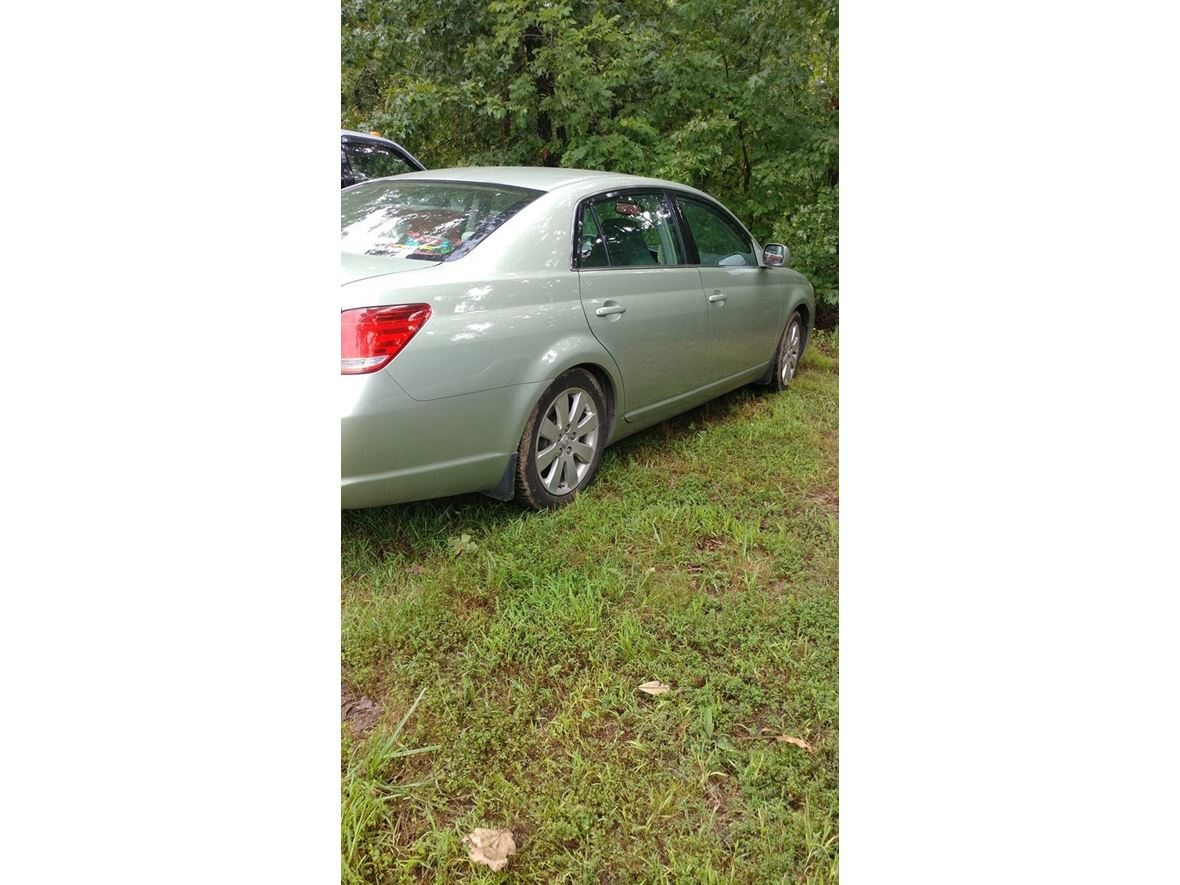 2005 Toyota Avalon XLS for sale by owner in Graff