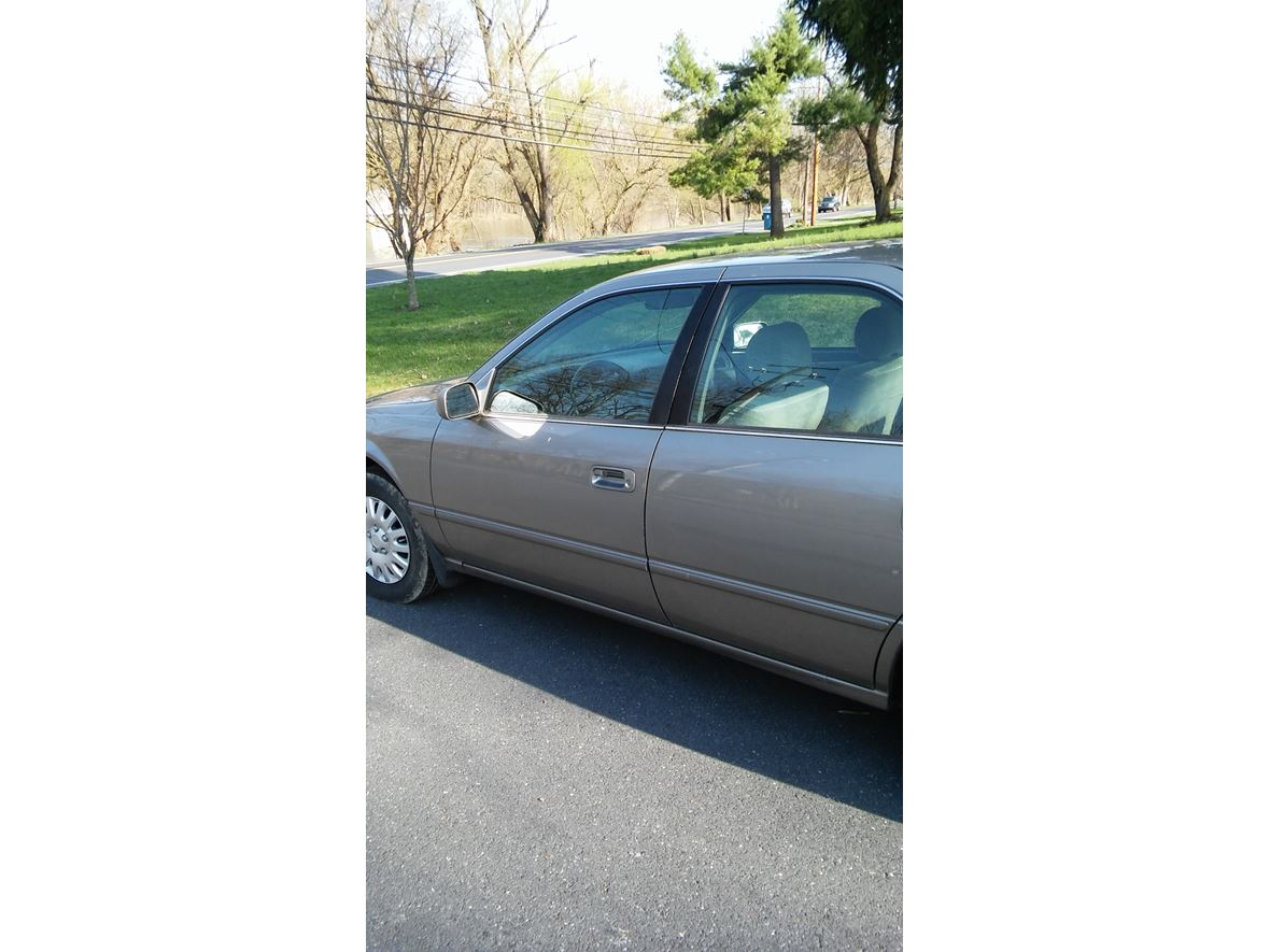 1998 Toyota Camry for sale by owner in Mechanicsburg