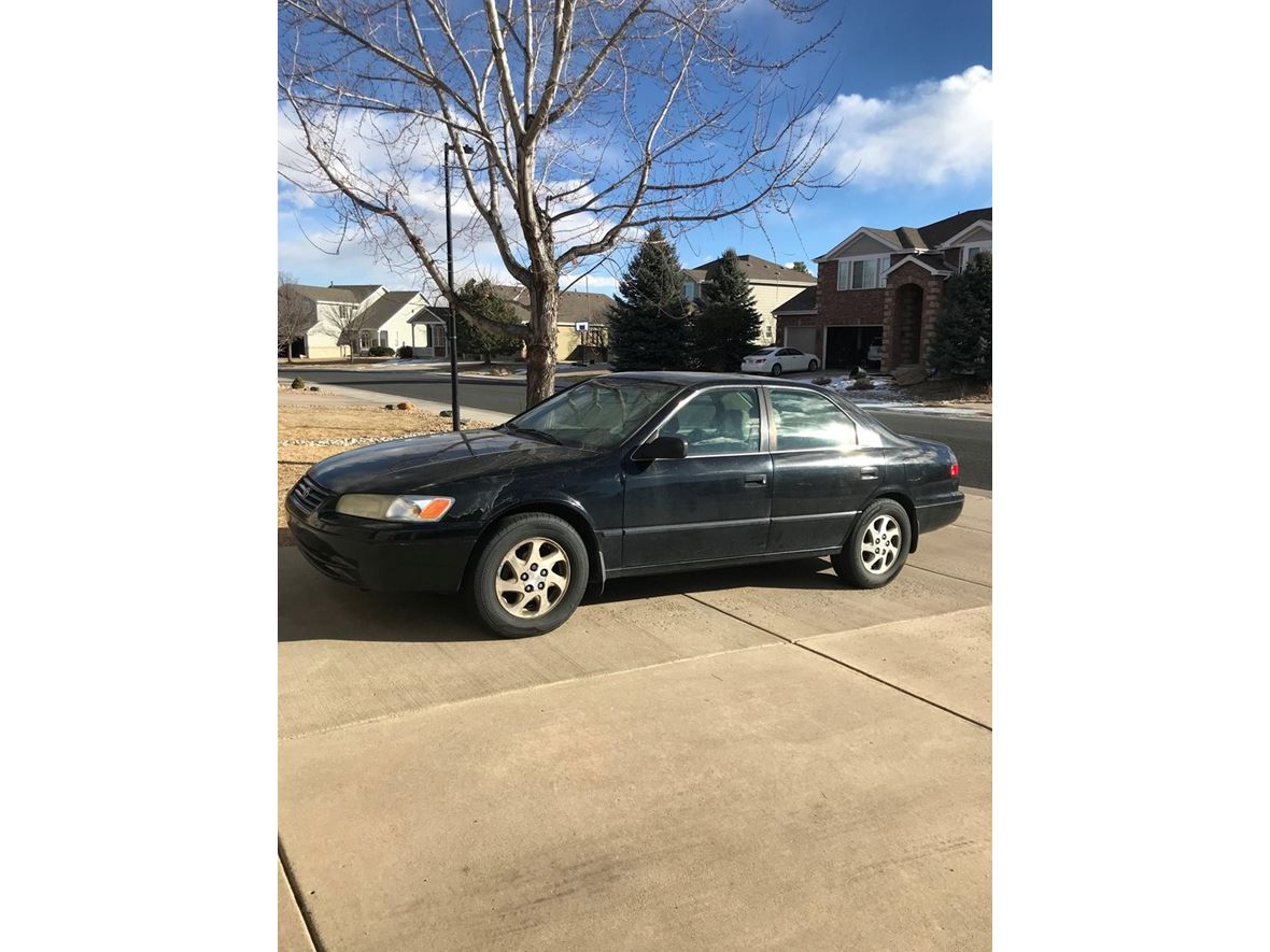 1998 Toyota Camry for sale by owner in Parker