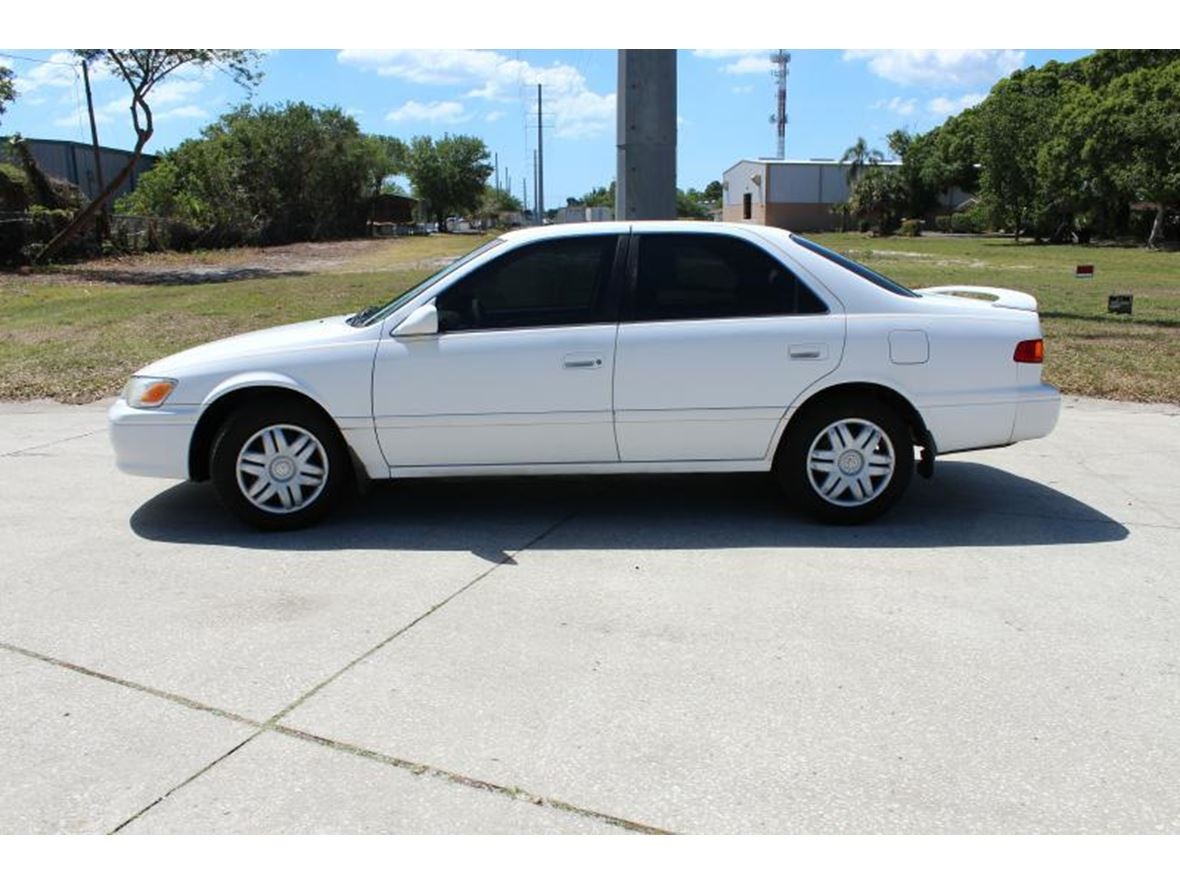 2001 Toyota Camry for sale by owner in Los Angeles