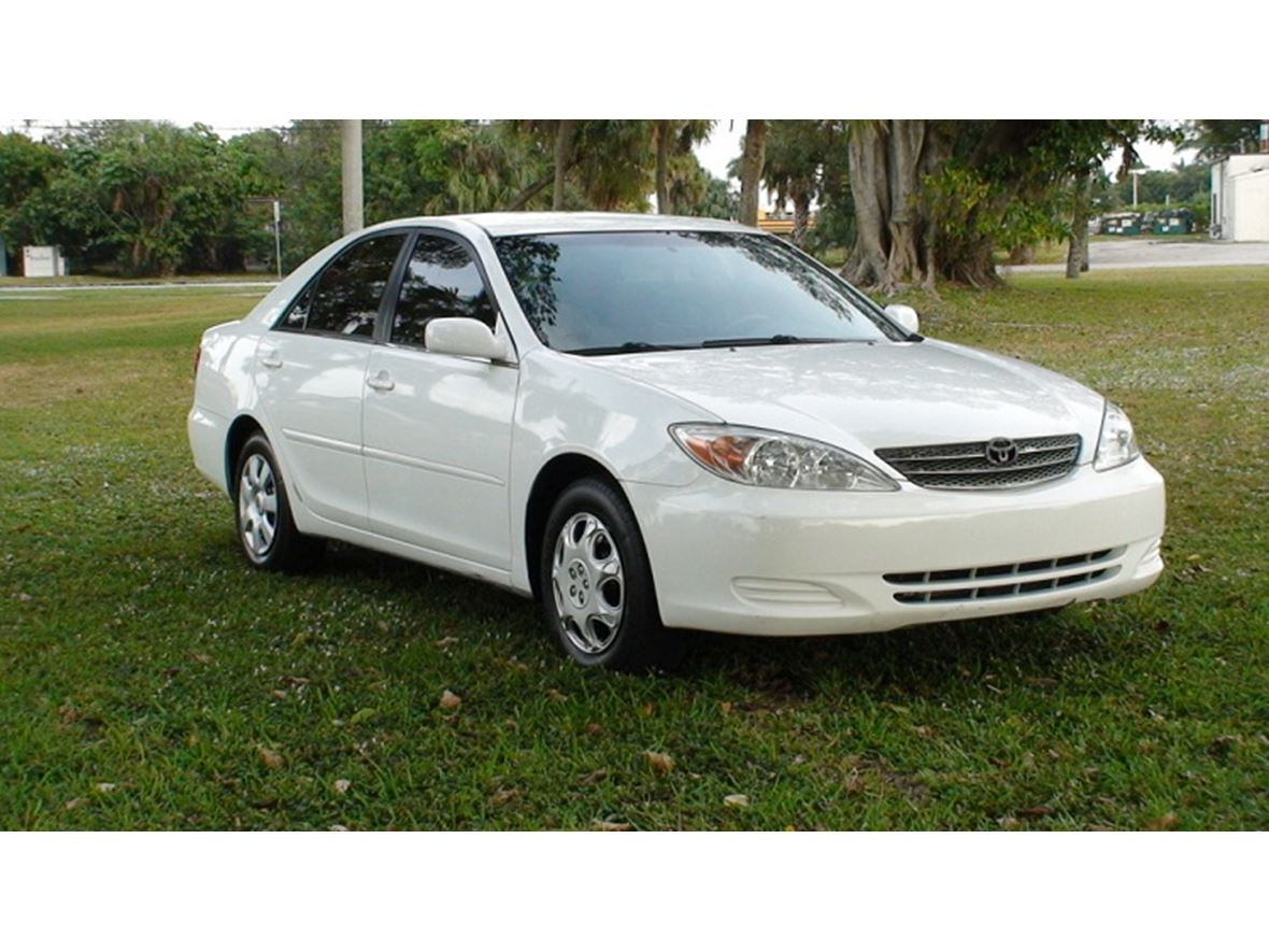 2002 Toyota Camry for sale by owner in Chicago