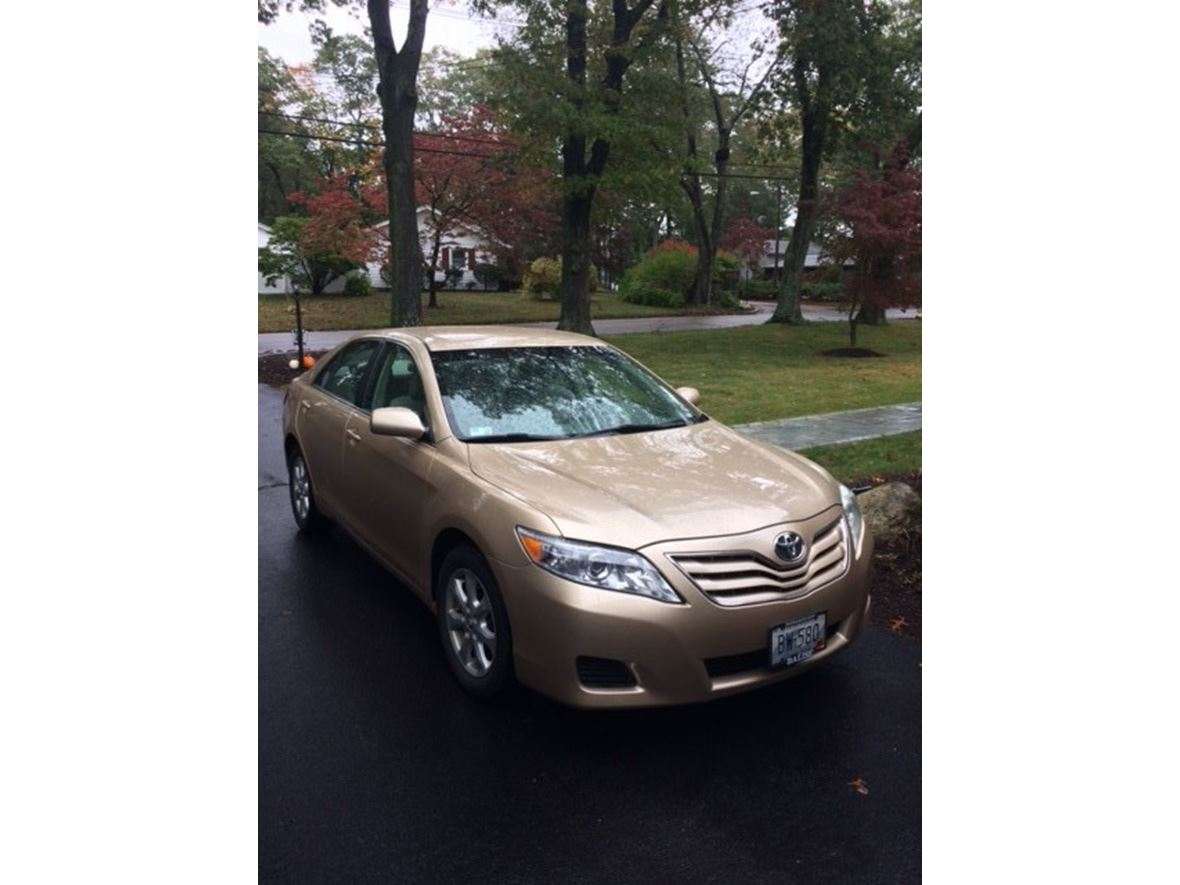 2011 Toyota Camry for sale by owner in Warwick