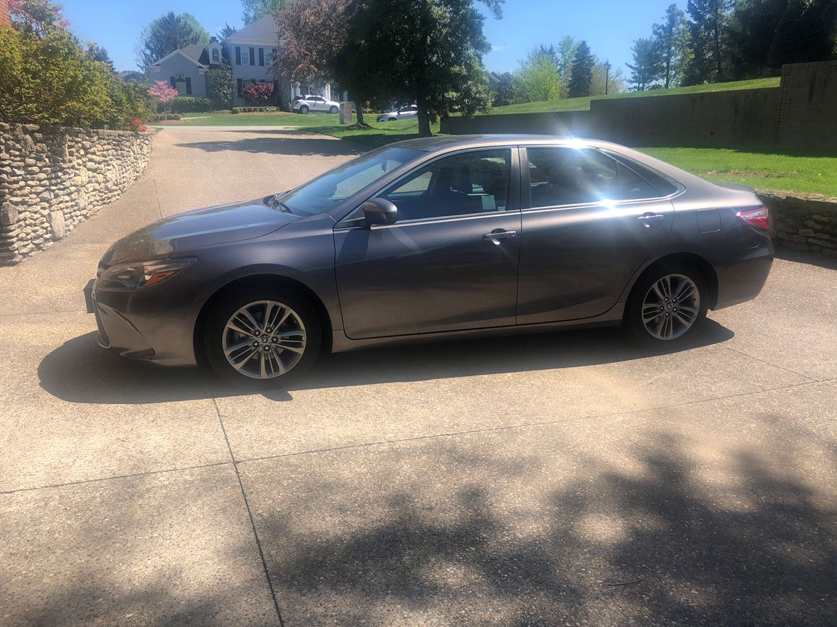 2016 Toyota Camry for sale by owner in Louisville