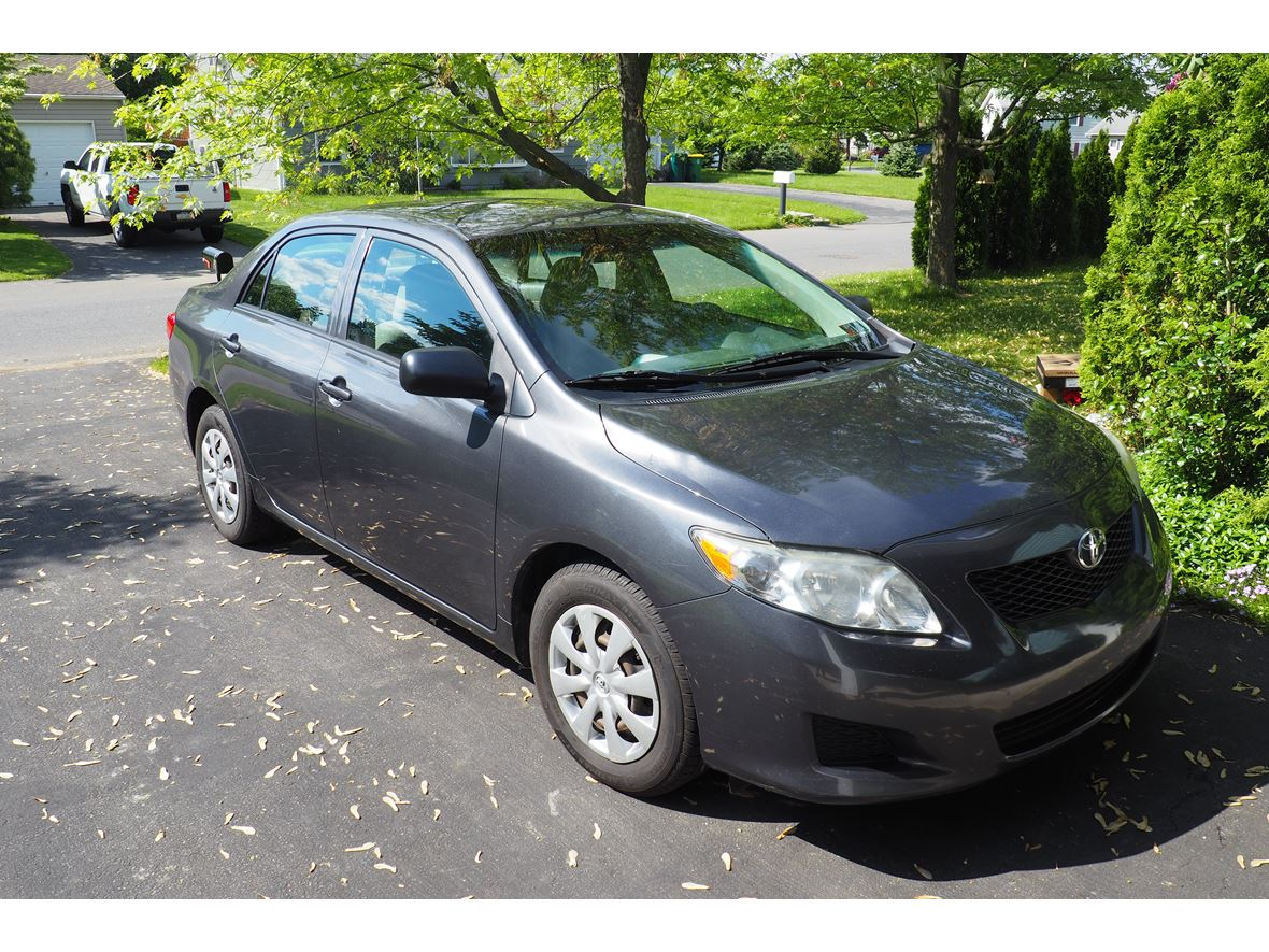 2009 Toyota Corolla for sale by owner in Easton