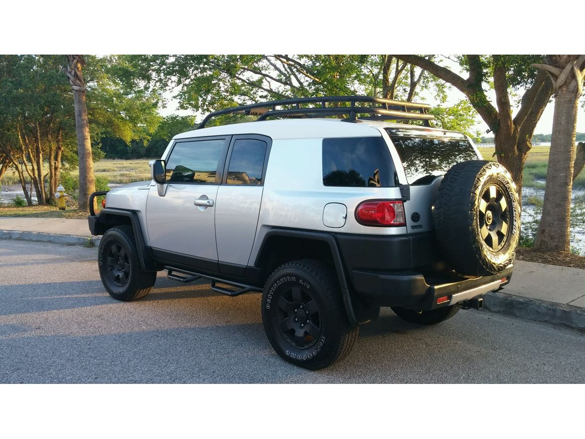 2007 Toyota Fj Cruiser for sale by owner in Charleston