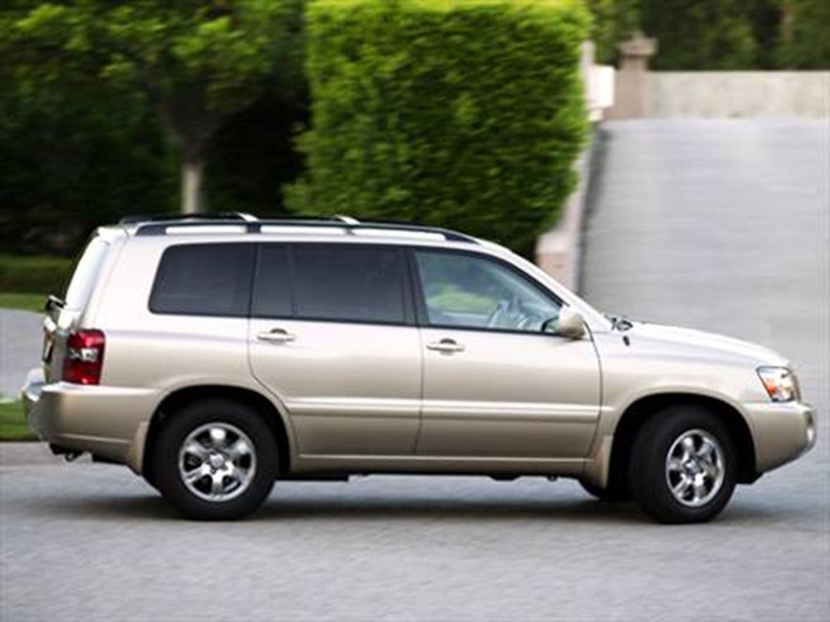 2004 Toyota Highlander for sale by owner in Mesa