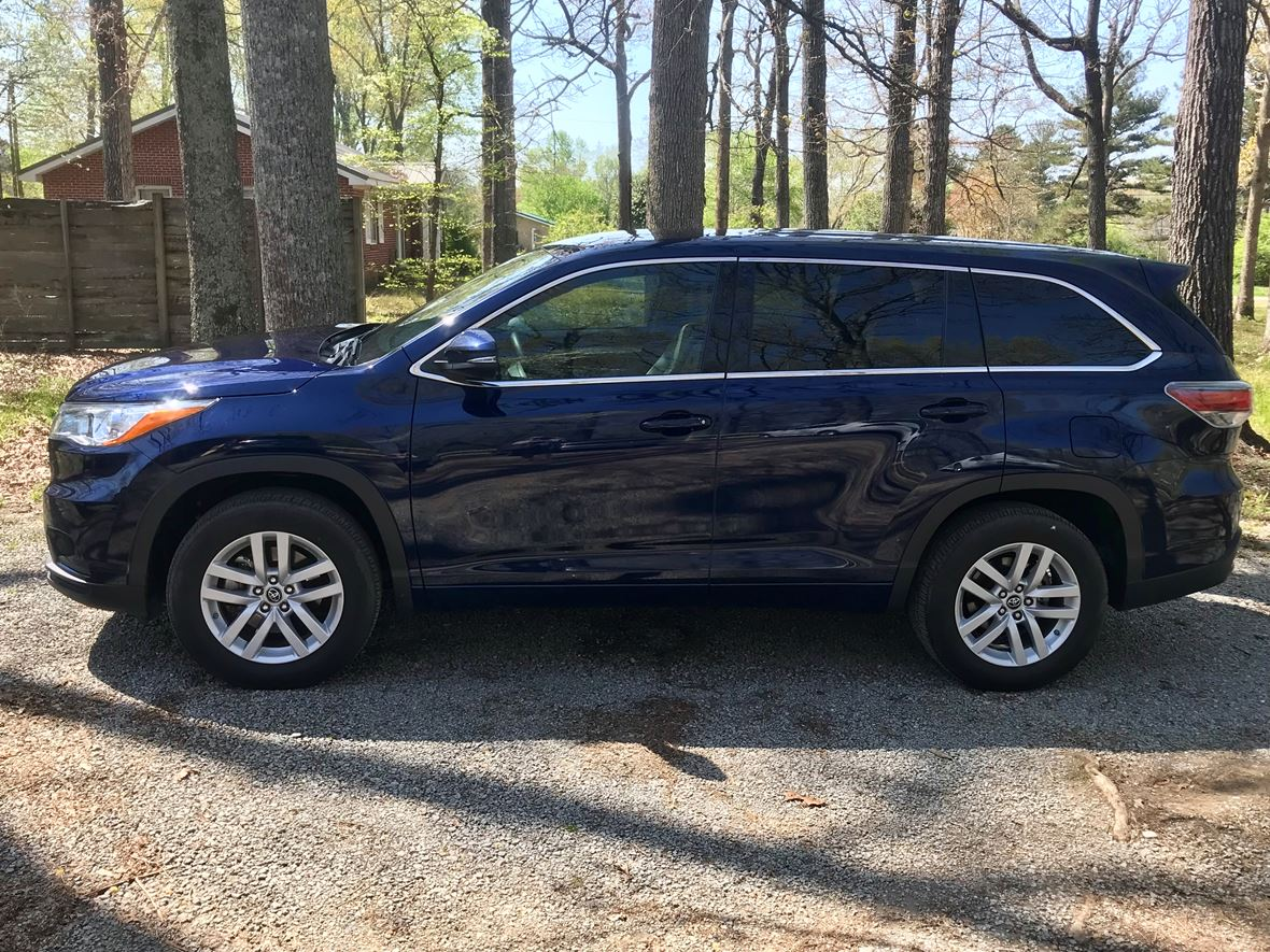 2016 Toyota Highlander for sale by owner in Fayetteville