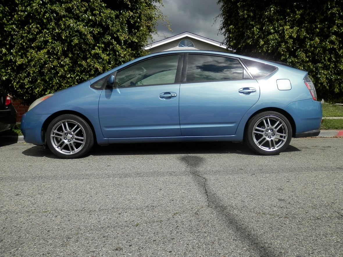 2005 Toyota Prius for sale by owner in Anaheim