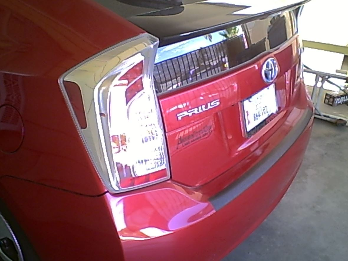 2014 Toyota Prius for sale by owner in Bullhead City