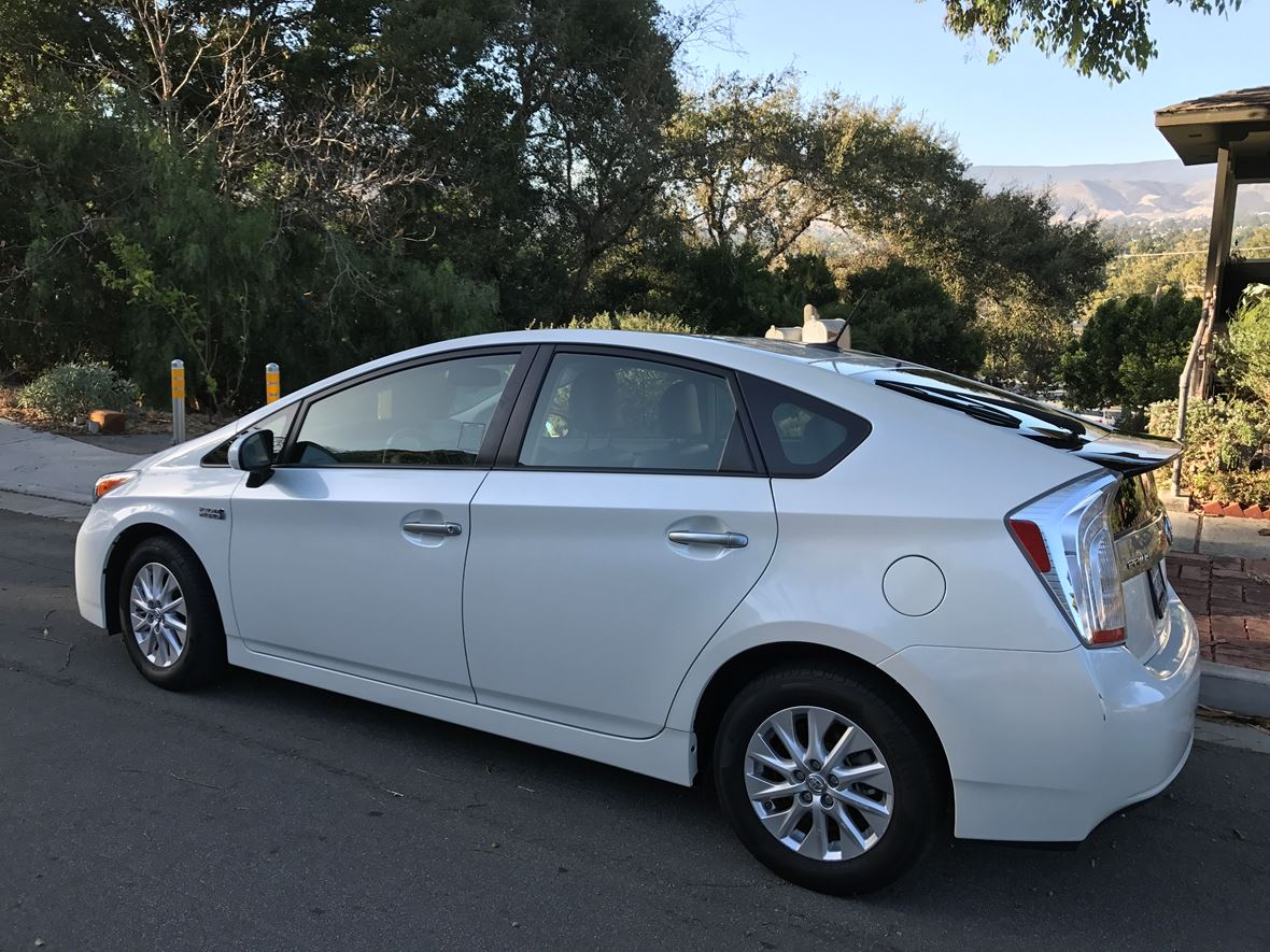 2012 Toyota Prius Plug-In for sale by owner in San Luis Obispo