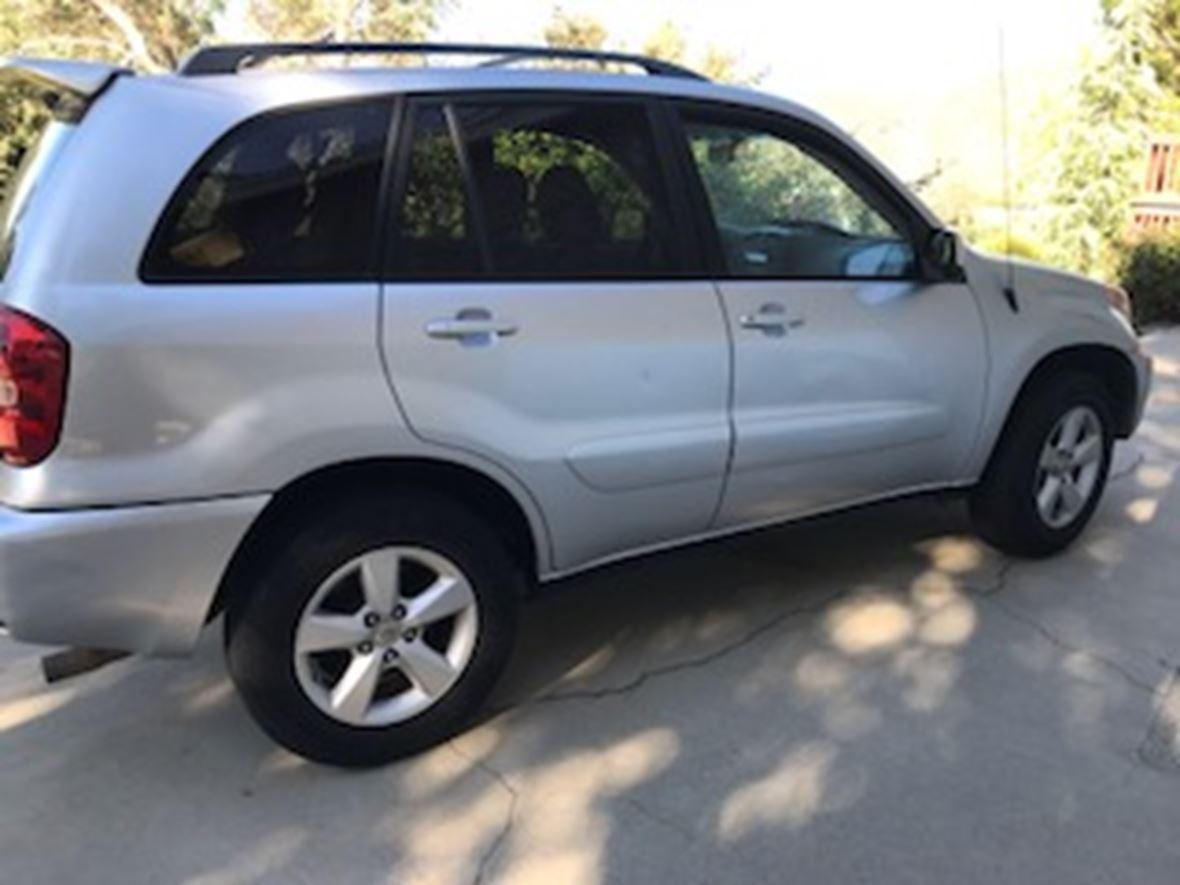 2005 Toyota Rav4 for Sale by Owner in San Bernardino, CA 92407