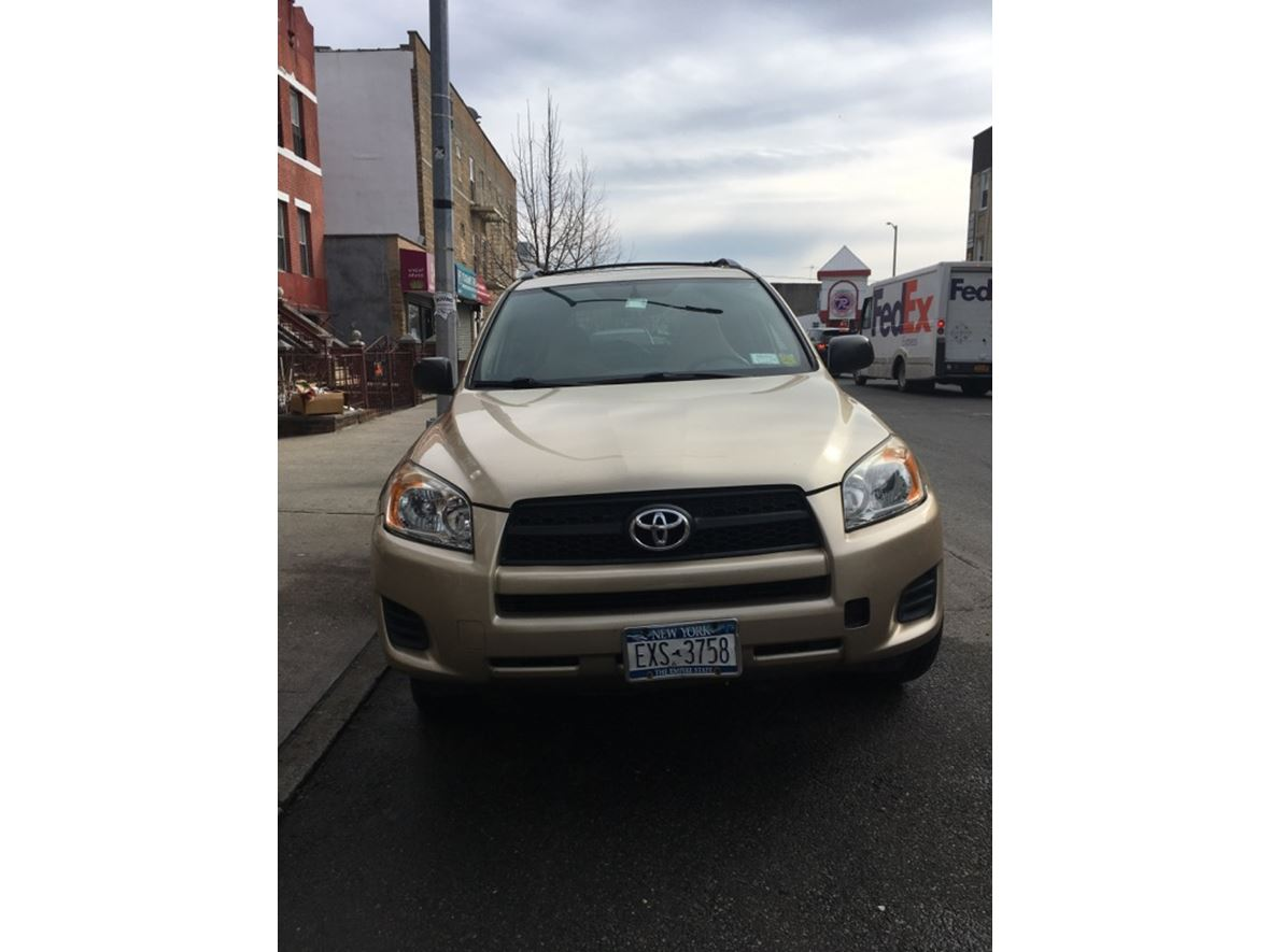 2010 Toyota Rav4 for sale by owner in Brooklyn