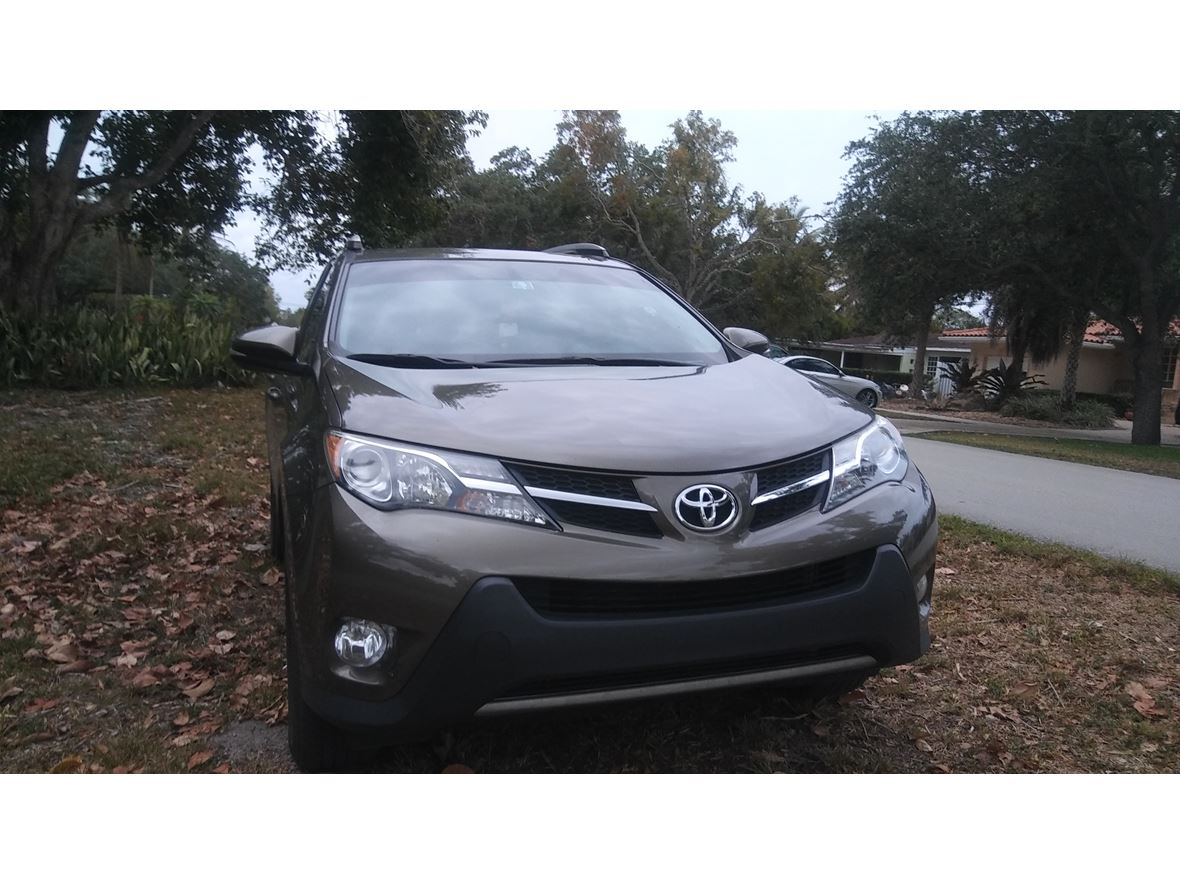 2013 Toyota Rav4 for sale by owner in Miami
