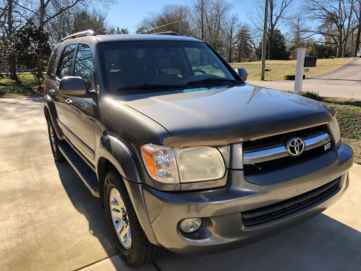2005 Toyota Sequoia for sale by owner in Brentwood
