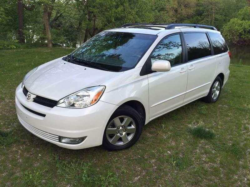 2004 Toyota Sienna for sale by owner in Flagstaff
