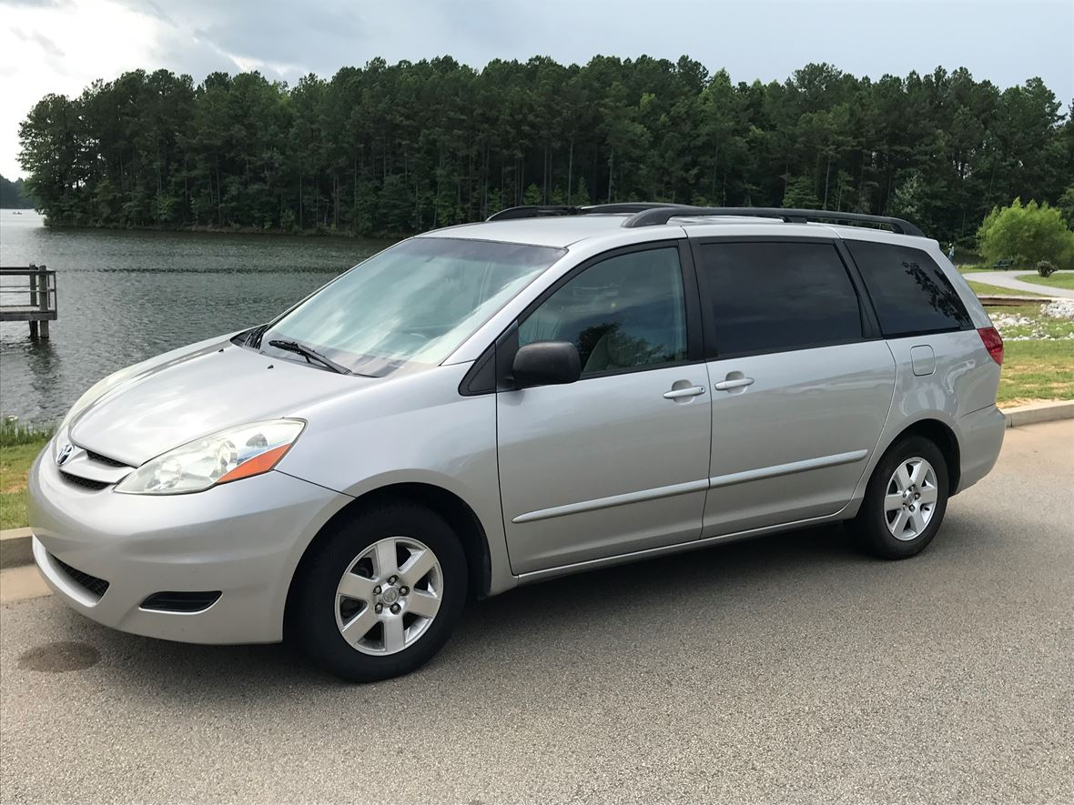 2006 toyota sienna for sale by owner in peachtree city ga 30269. Black Bedroom Furniture Sets. Home Design Ideas
