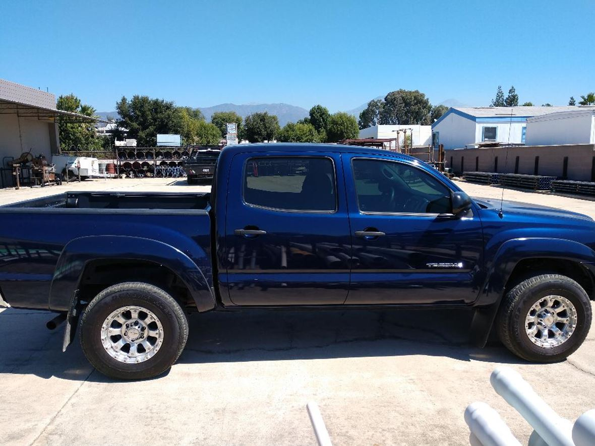 2013 Toyota Tacoma for sale by owner in La Verne