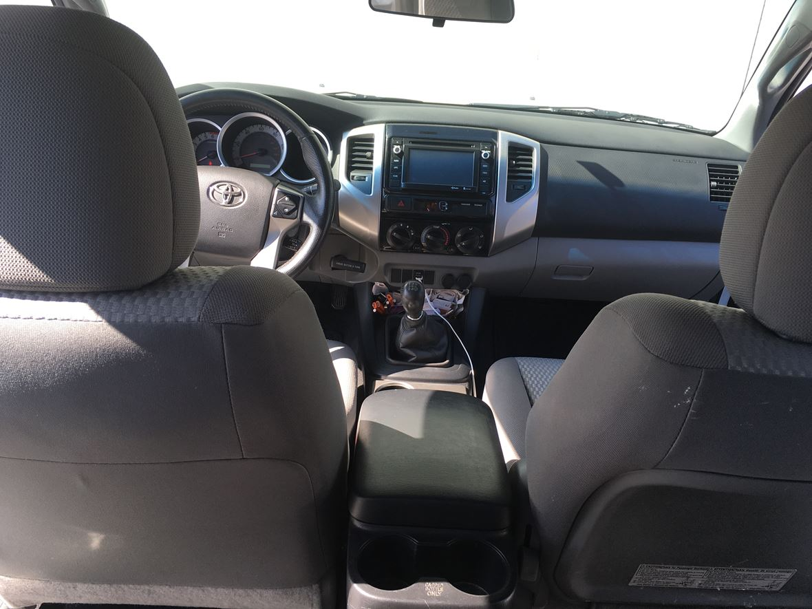 2014 Toyota Tacoma for sale by owner in Lawndale