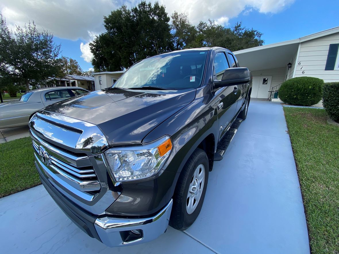 2017 Toyota Tundra for sale by owner in Lady Lake