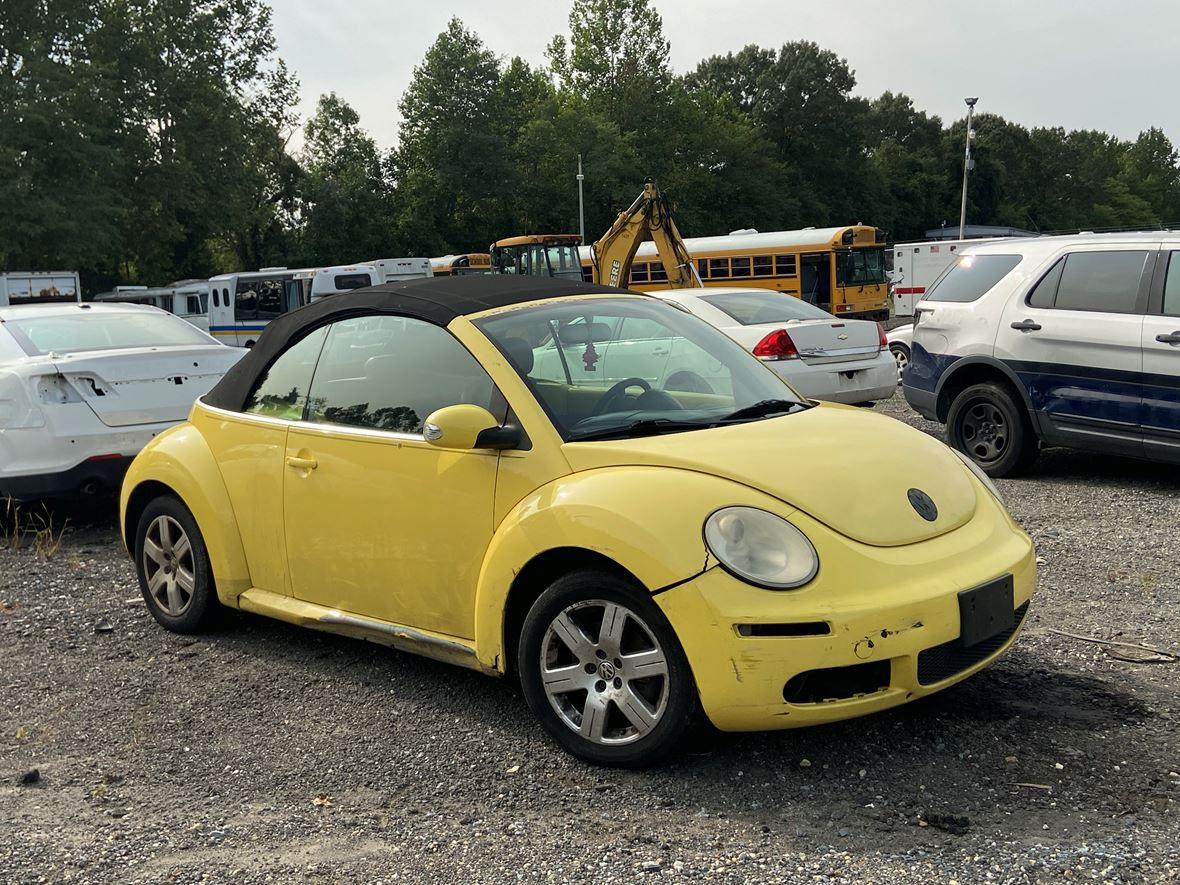 2007 Volkswagen Beetle for sale by owner in Upper Marlboro