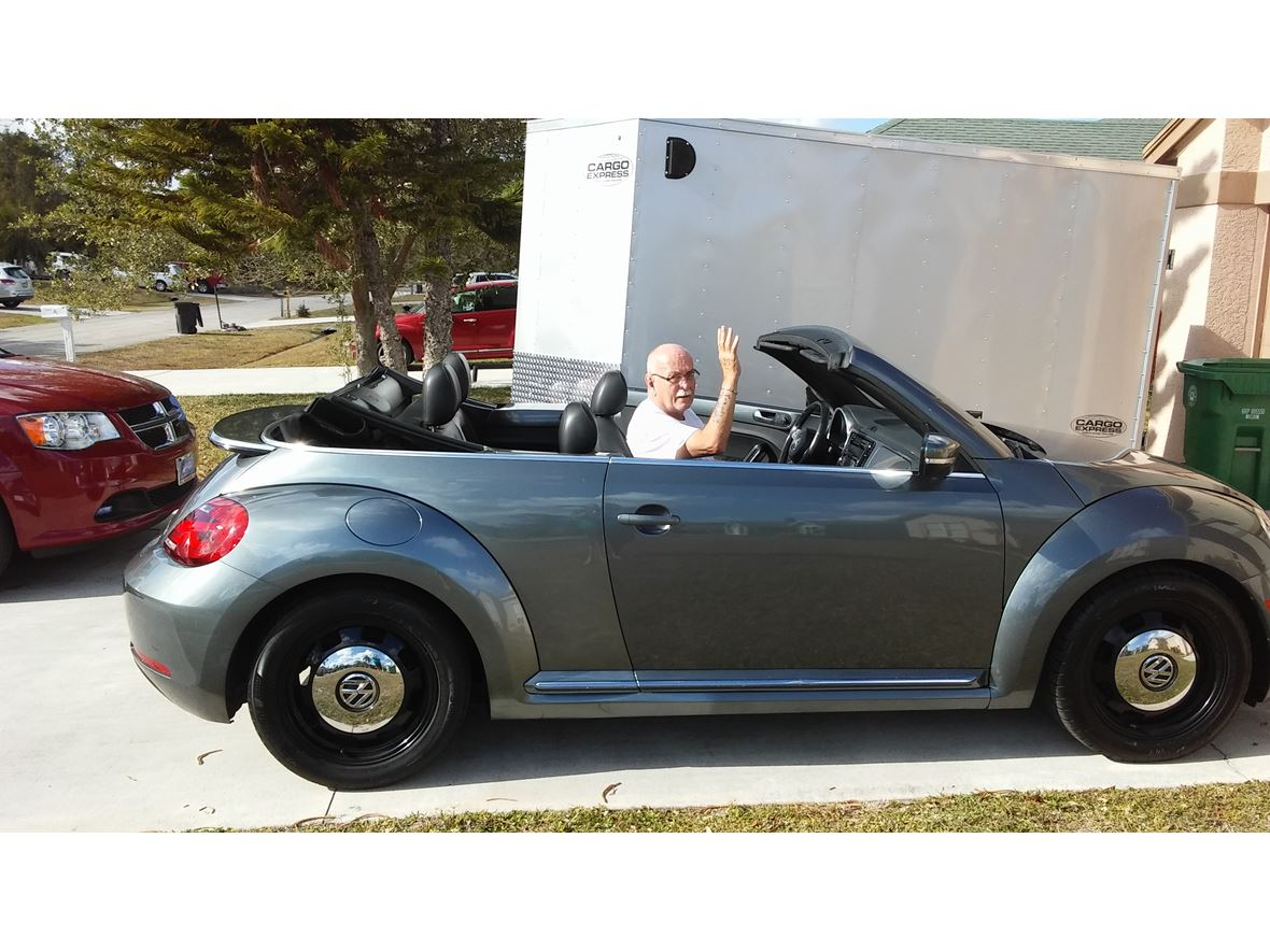 2014 Volkswagen Beetle for sale by owner in Port Saint Lucie