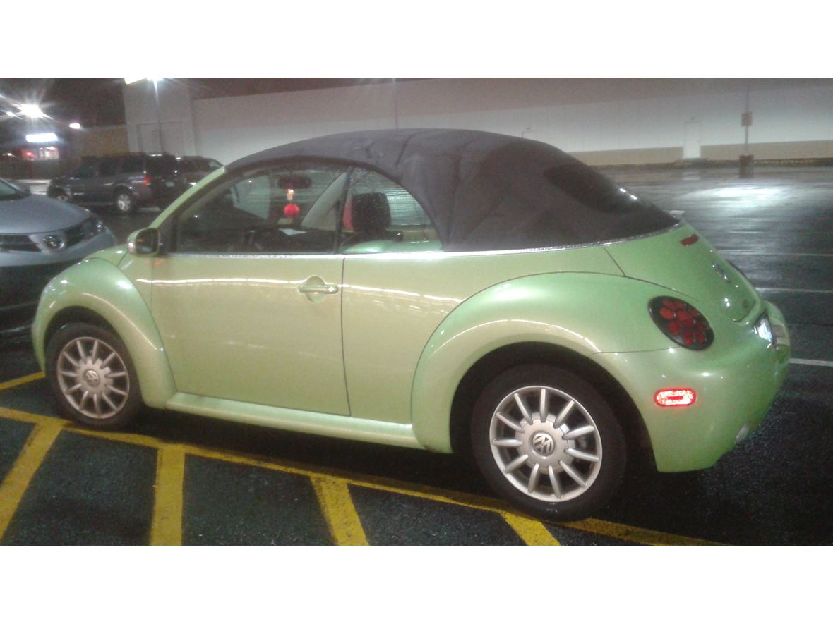 2005 volkswagen beetle convertible for sale by private owner in johnston ri 02919. Black Bedroom Furniture Sets. Home Design Ideas