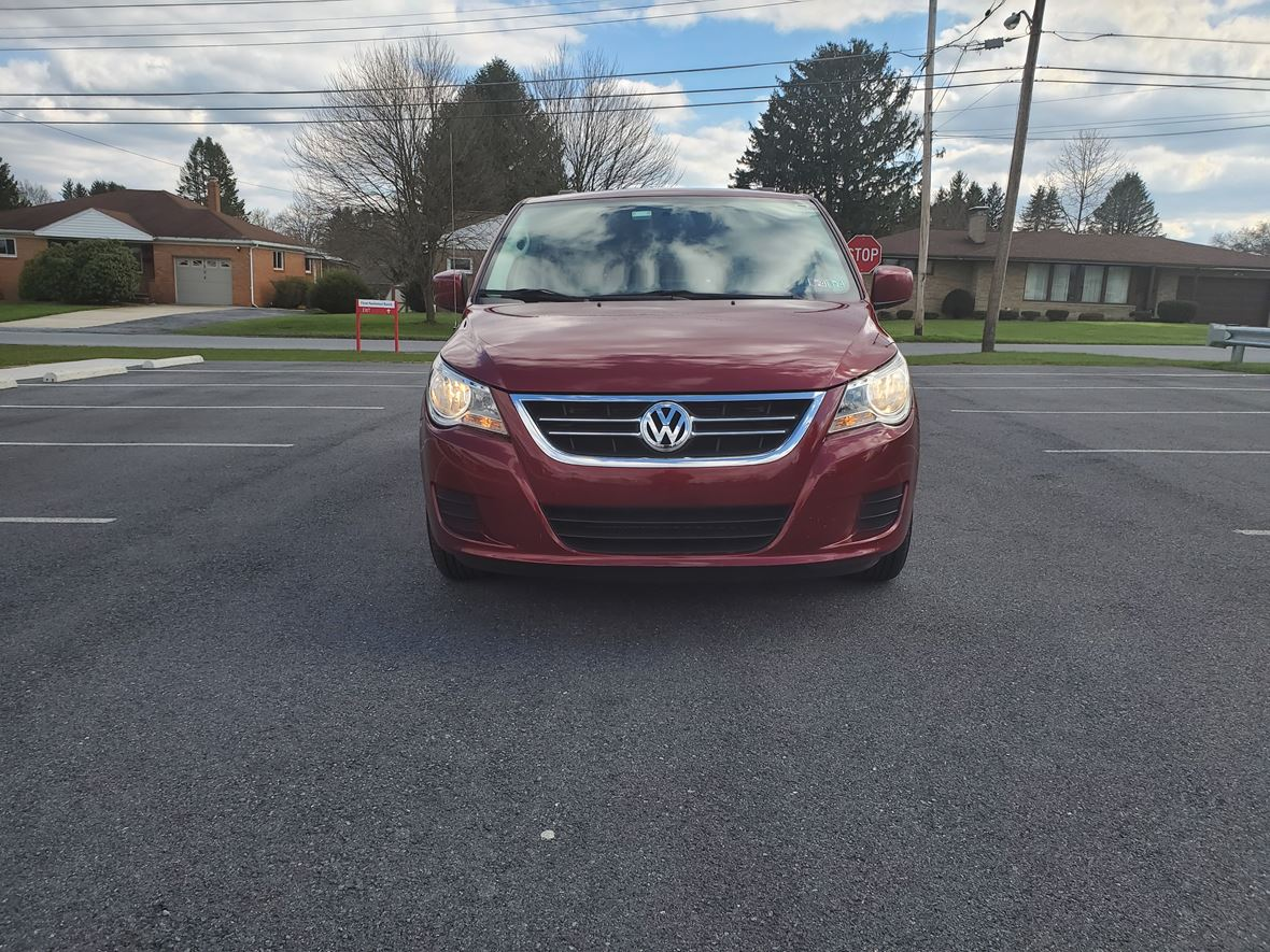 2012 Volkswagen Routan for sale by owner in Johnstown