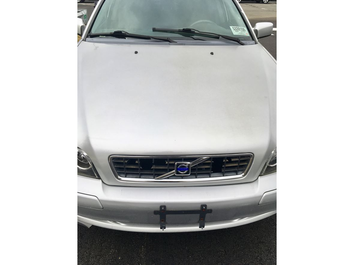 2003 Volvo S40 for sale by owner in Elmont