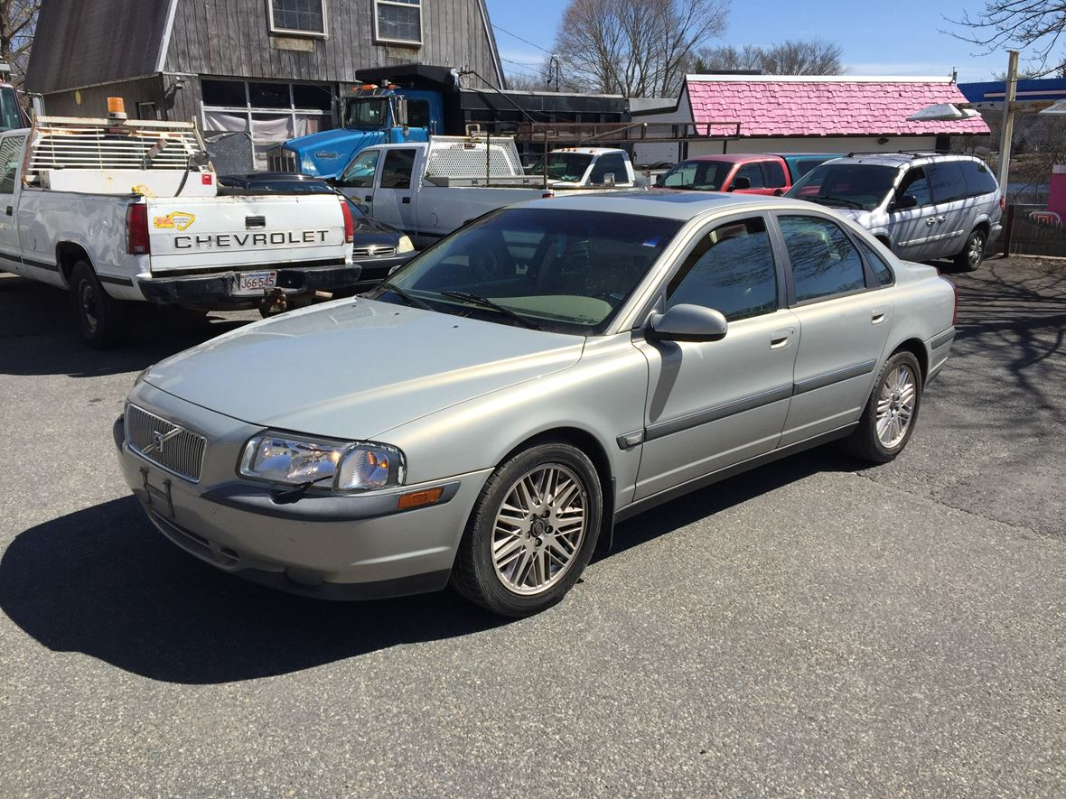 2000 Volvo S80 for sale by owner in East Bridgewater